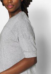 Filippa K - SOFT - T-shirt basic - light grey - 5