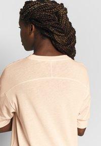 Filippa K - SOFT - T-shirts basic - meringue - 5