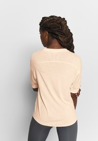 Filippa K - SOFT - T-shirt basic - meringue - 2