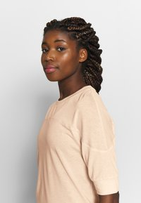 Filippa K - SOFT - T-shirt basic - meringue - 3