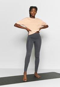 Filippa K - SOFT - T-shirt basic - meringue - 1