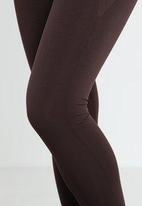 Filippa K - HIGH SEAMLESS LEGGINGS - Trikoot - maroon - 5