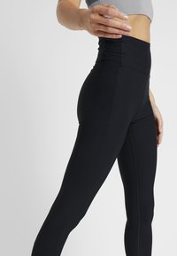 Filippa K - COMPRESSION ZIP - Legging - black - 3