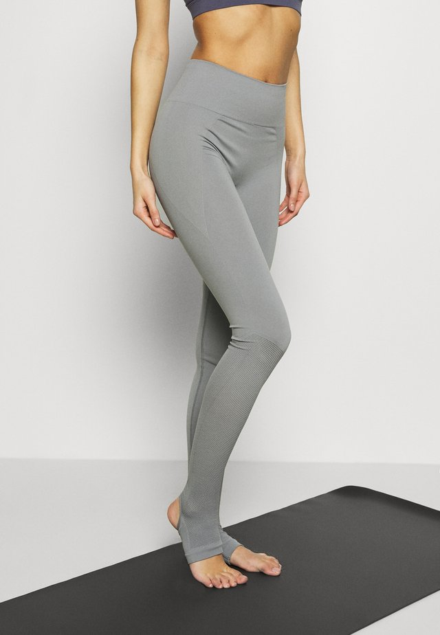 SEAMLESS OPEN HEEL LEGGINS - Tights - nickel grey
