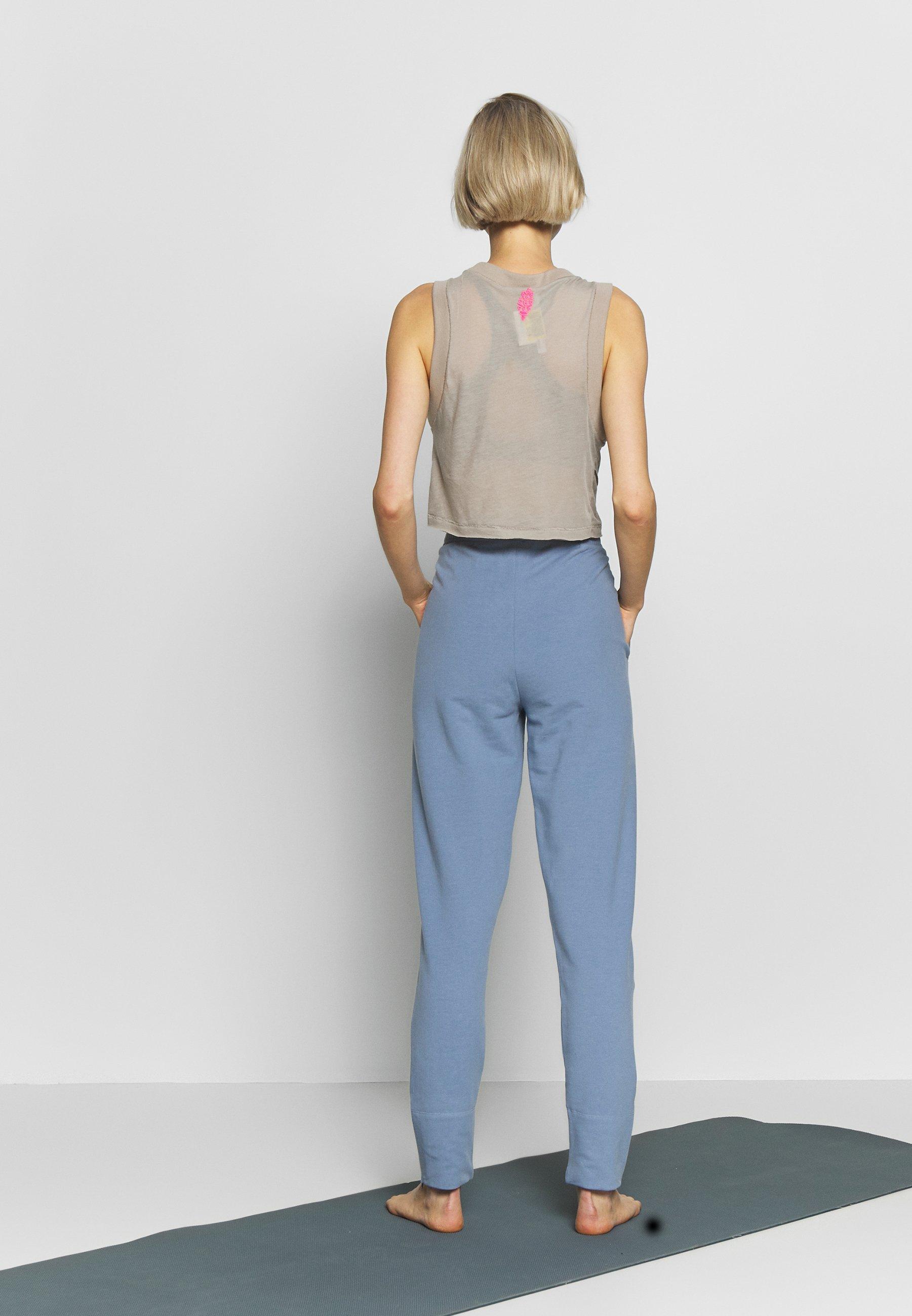 Filippa K AMERICAN JOGGER - Spodnie treningowe - misty blue