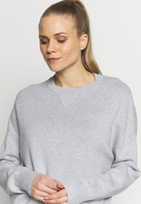Filippa K - Neule - light grey - 4