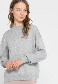 Filippa K - Sweatshirt - light grey - 0