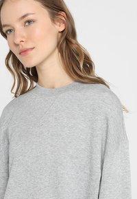 Filippa K - Sweatshirt - light grey - 4