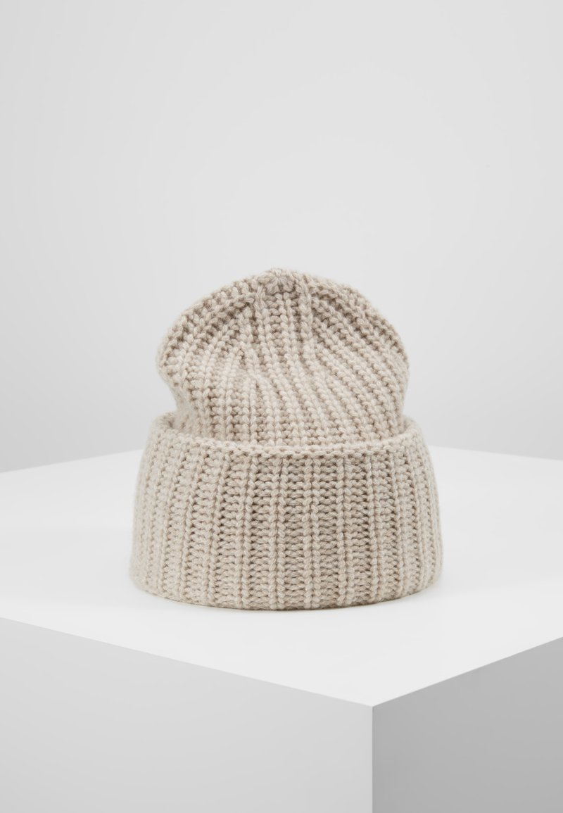 Filippa K - CORINNE HAT - Beanie - powder