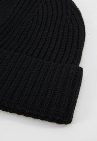 Filippa K - HAT - Beanie - black - 4