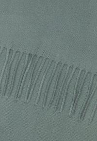 Filippa K - BLEND SCARF - Šála - mint powder - 1