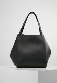 Filippa K - SHELBY BUCKET BAG - Torebka - black - 2