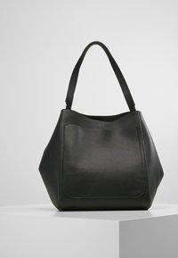 Filippa K - SHELBY BUCKET BAG - Torebka - black - 0