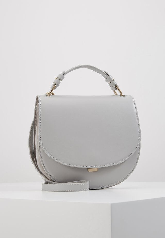 HARLEY SADDLE LEATHER BAG - Kabelka - sterling grey