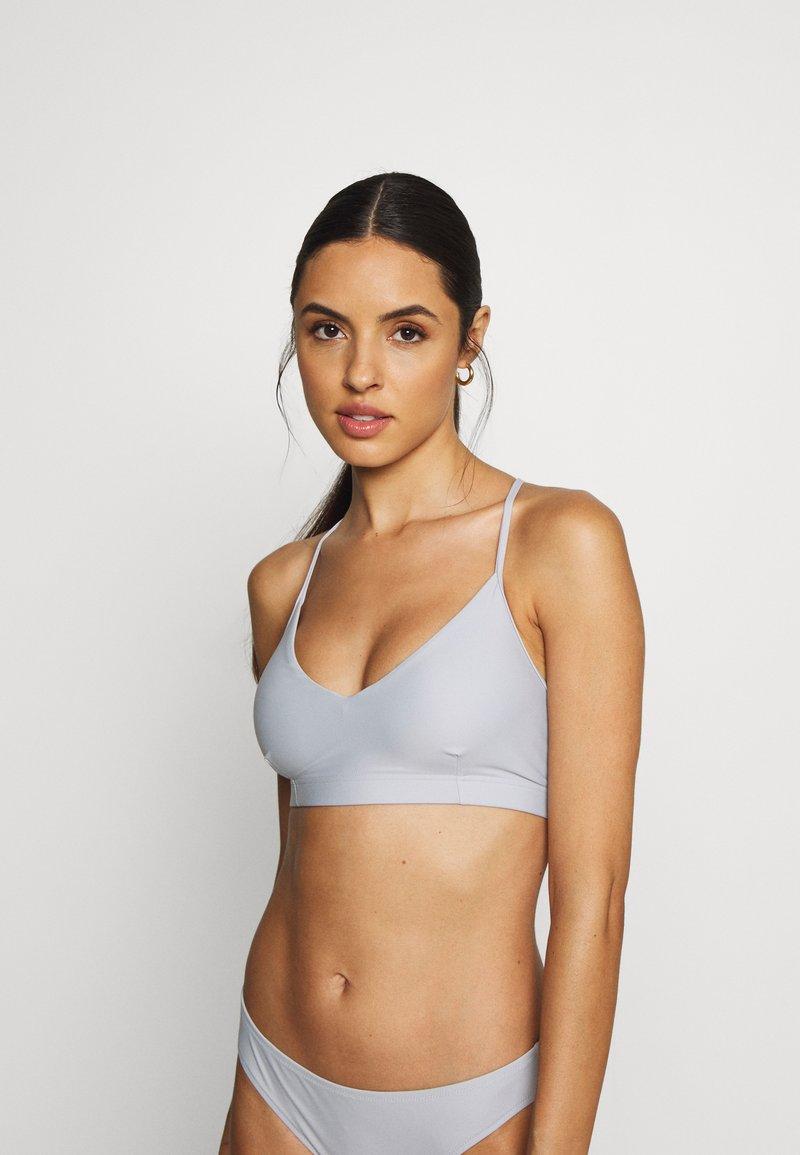 Filippa K - CROSS BACK - Bikini top - cloud