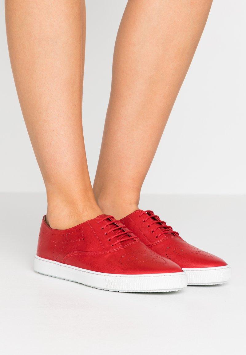 Fratelli Rossetti - Volnočasové šněrovací boty - tango corallo