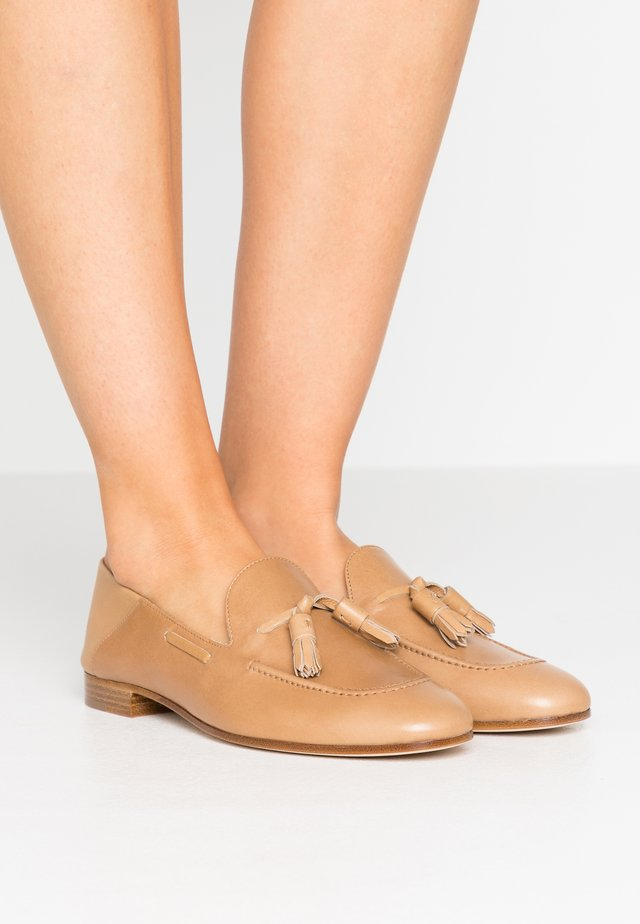 Slip-ons - light brown