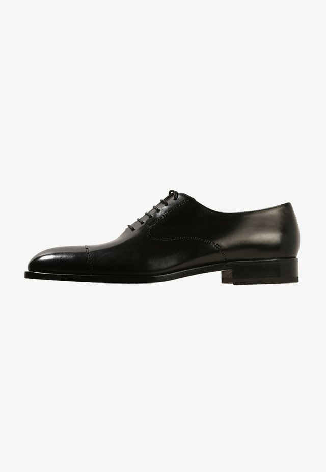 Elegantní šněrovací boty - black