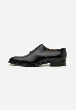 Elegantní šněrovací boty - garwood nero