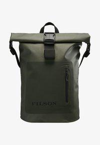 Filson - DRY BACKPACK - Batoh - green - 5