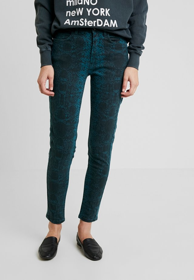 FRFASNAKE PANTS - Jeans Skinny Fit - reflecting pond