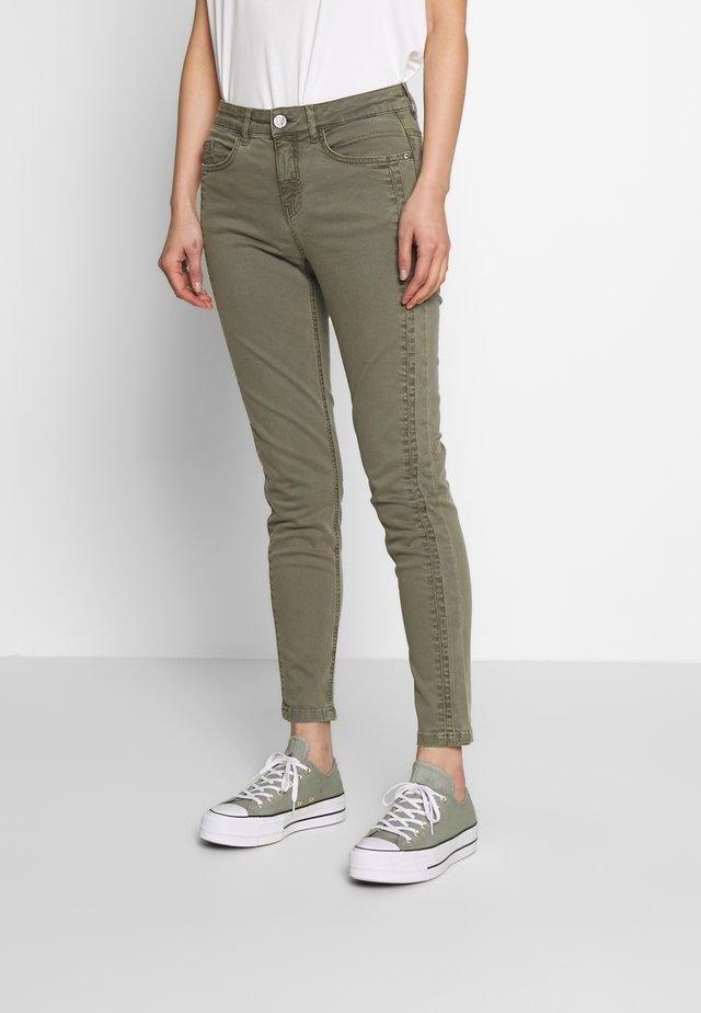 FRIVZIP PANTS - Skinny džíny - hedge