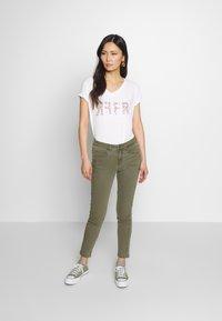 Fransa - FRIVZIP PANTS - Jeans Skinny Fit - hedge - 1