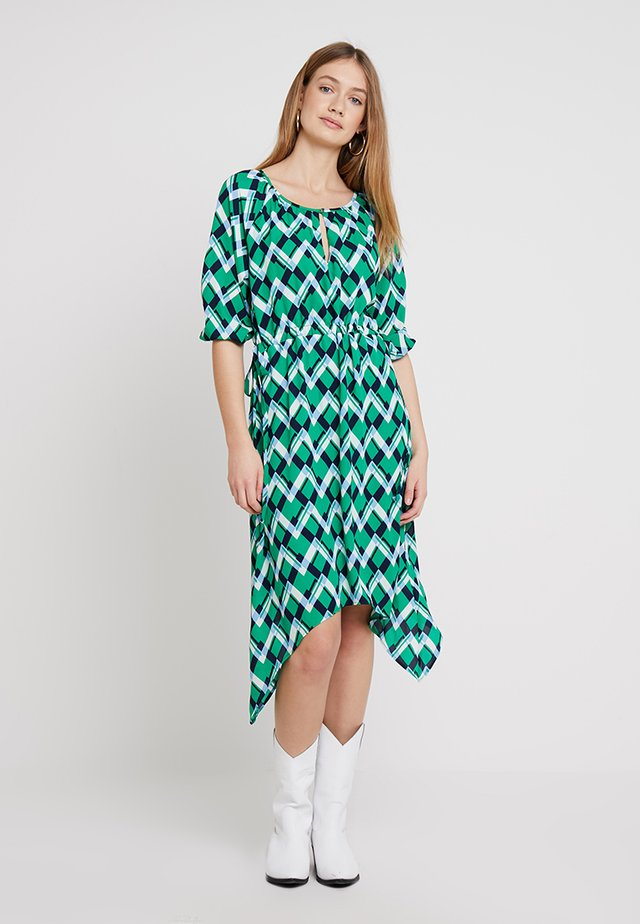FRCAGEO DRESS - Freizeitkleid - jolly green