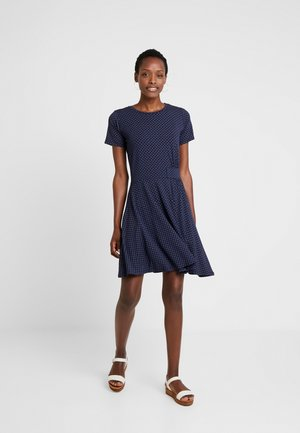 FREMDOTTON DRESS - Jerseykjole - maritime blue mix