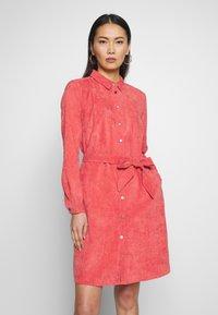 Fransa - DRESS - Skjortekjole - baked apple - 0