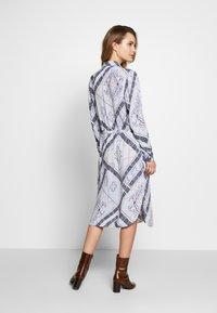 Fransa - FRHASCARF DRESS - Skjortekjole - brunnera blue mix - 2