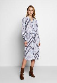 Fransa - FRHASCARF DRESS - Skjortekjole - brunnera blue mix - 1