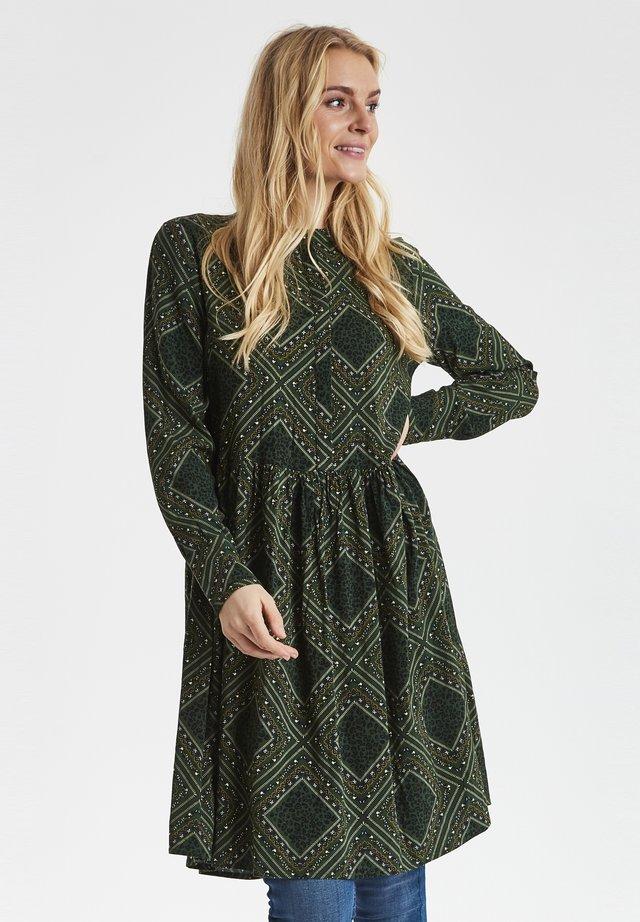 FXTIDITSY  - Shirt dress - green