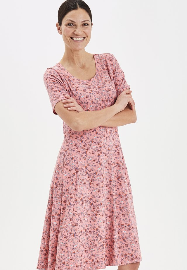 FRITDOTSA - Jerseykjoler - pink