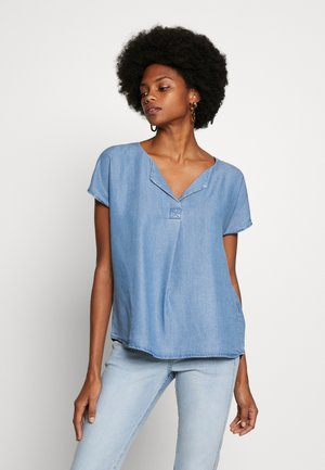 Blouse - skye blue denim