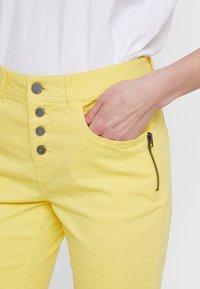 Fransa - FRCATWILL - Shorts - lemon zest - 4