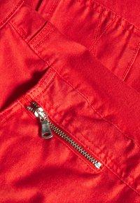Fransa - Shorts di jeans - cherry tomato - 2