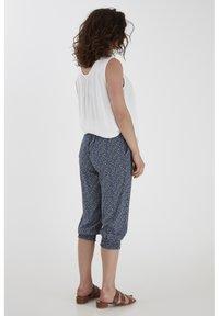 Fransa - 6 PANTS - Shorts - navy blazer mix - 2