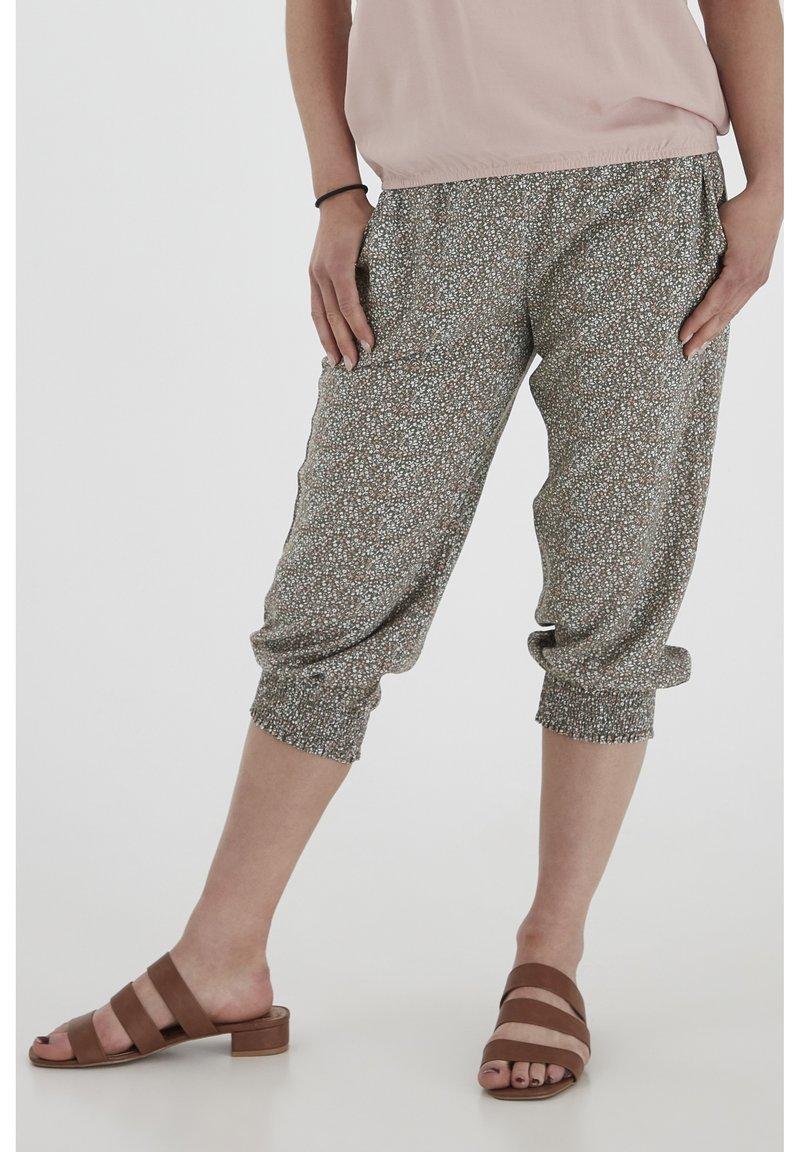 Fransa - 6 PANTS - Shorts - hedge mix