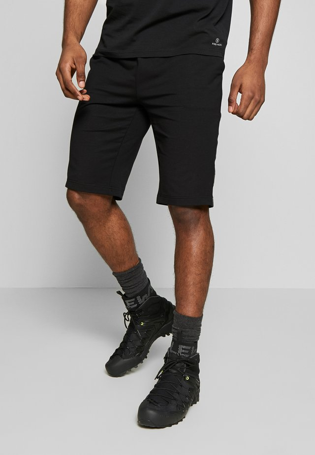 LUCAN - Korte sportsbukser - black