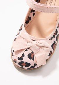 Friboo - Ankle strap ballet pumps - rose - 2