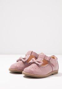 Friboo - Ballerina's met enkelbandjes - rose - 3