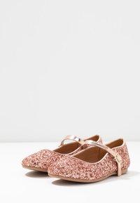 Friboo - Ballerina med reim - pink - 3