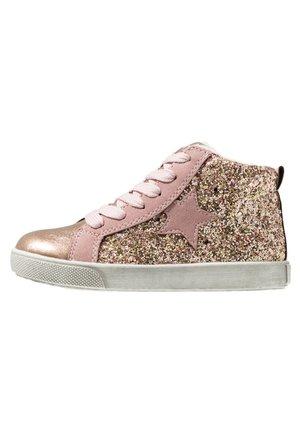 Sneakersy wysokie - rose