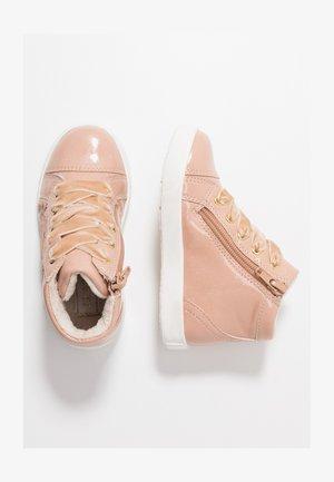 Höga sneakers - rose