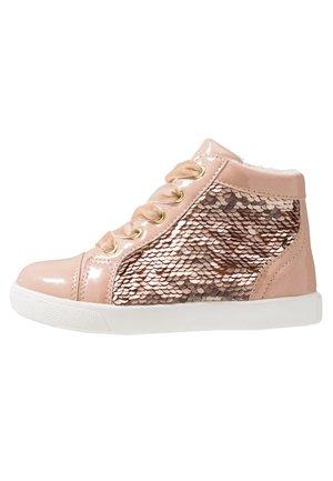 Sneaker high - rose