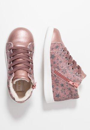 Sneakersy wysokie - mauve