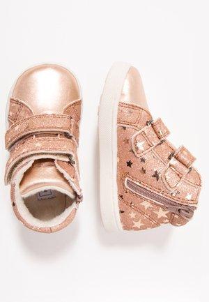 Scarpe primi passi - rose gold