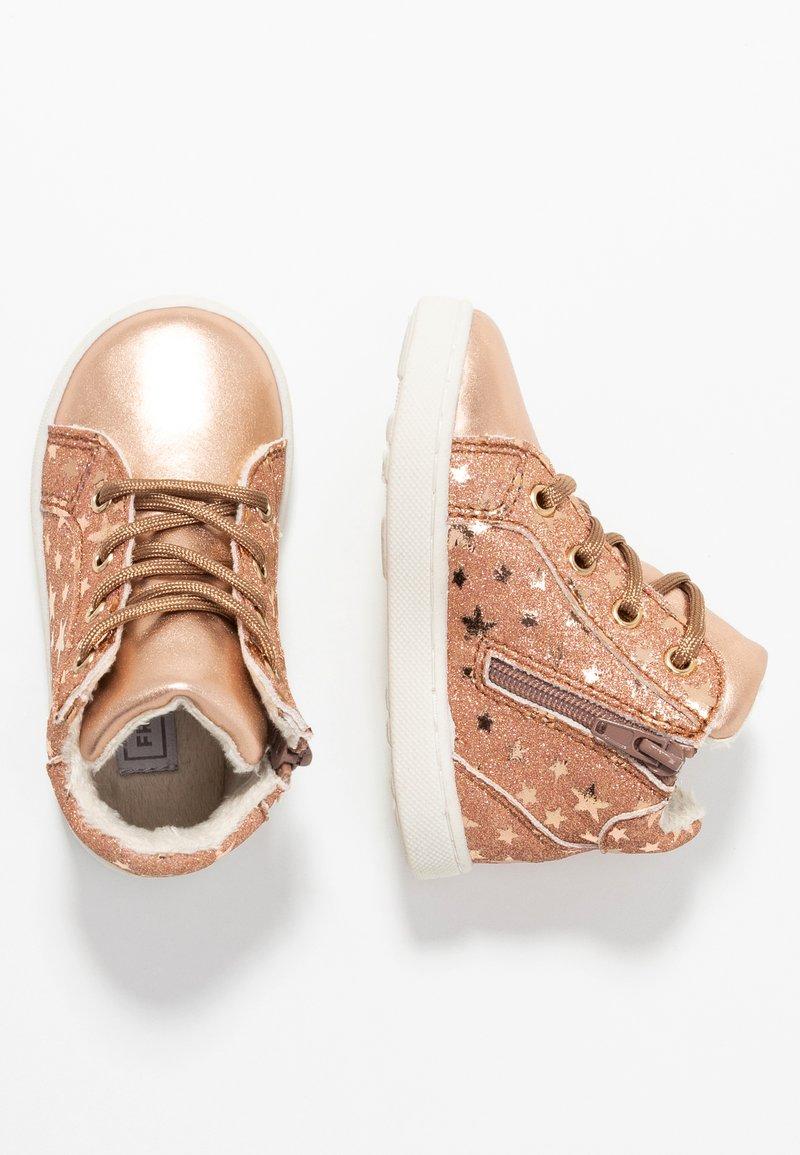 Friboo - Lær-at-gå-sko - rose gold