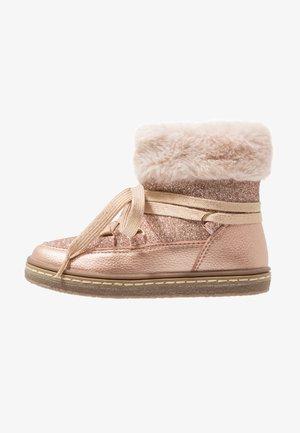 Kotníkové boty - rose gold